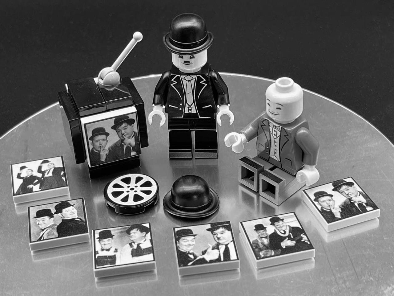 Stanlio e Ollio | Minifigure Lego | Fuori di Brick